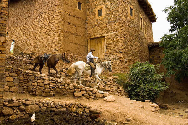 Atlas mountain horse riding trails in Morocco