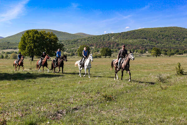 Discovering Bulgaria in the saddle