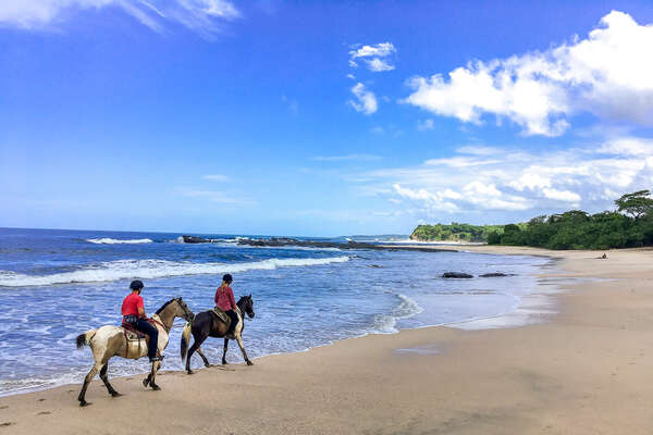 Exploring Costa Rica in the saddle