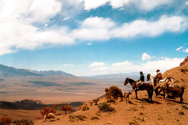 Horse riding expedition from Chile to Argentina