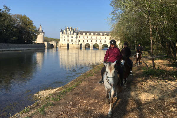 Riders discovering Chenonceau, Loire Valley, on horseback