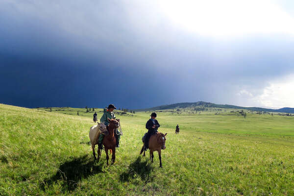 The storm rolling into the steppes of Khentii